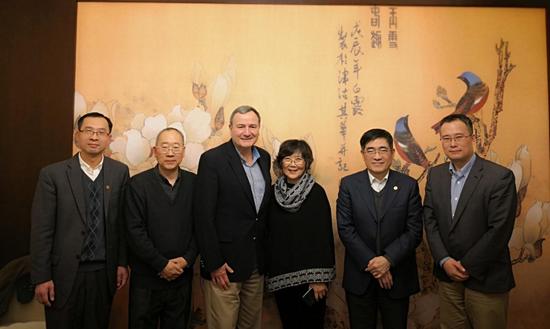 周边中心研究员刘军接待了来访的斯坦福大学教授卡尔•温弗雷德•艾肯伯里(K