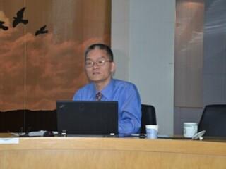 美国纽约长岛大学历史系教授夏亚峰学术报告