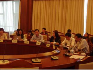 周边中心参加上海高校智库媒体座谈会