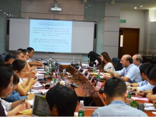 杨成主持上海市社联青年学术论坛