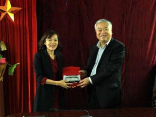 沈志华主任带队访问越南国家档案馆