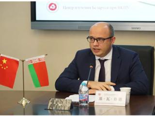 白俄罗斯驻华大使访问华东师范大学