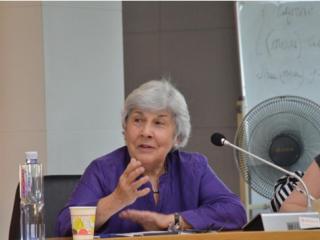 芝加哥大学荣休终身教授希拉•菲茨帕特里克(Sheila Fitzpatrick)应邀访问周边中心